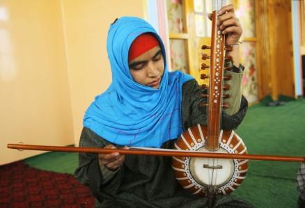 INDIA-KASHMIR-PAKISTAN-MUSIC-RELIGION